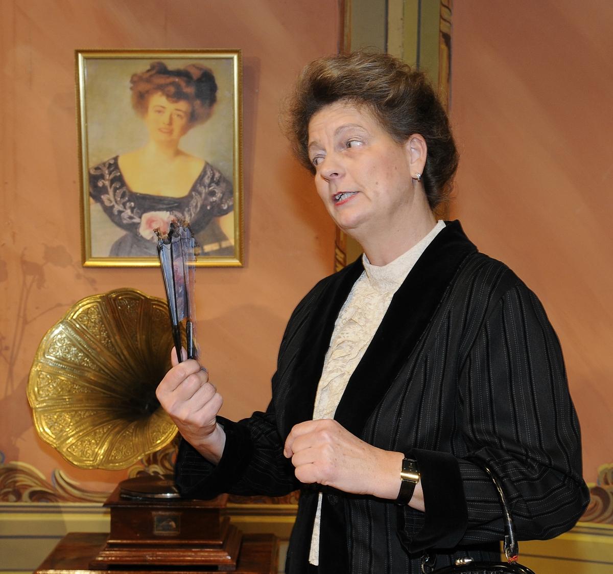 Claudia Burkart